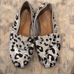 Leopard print Tom's Shoes
